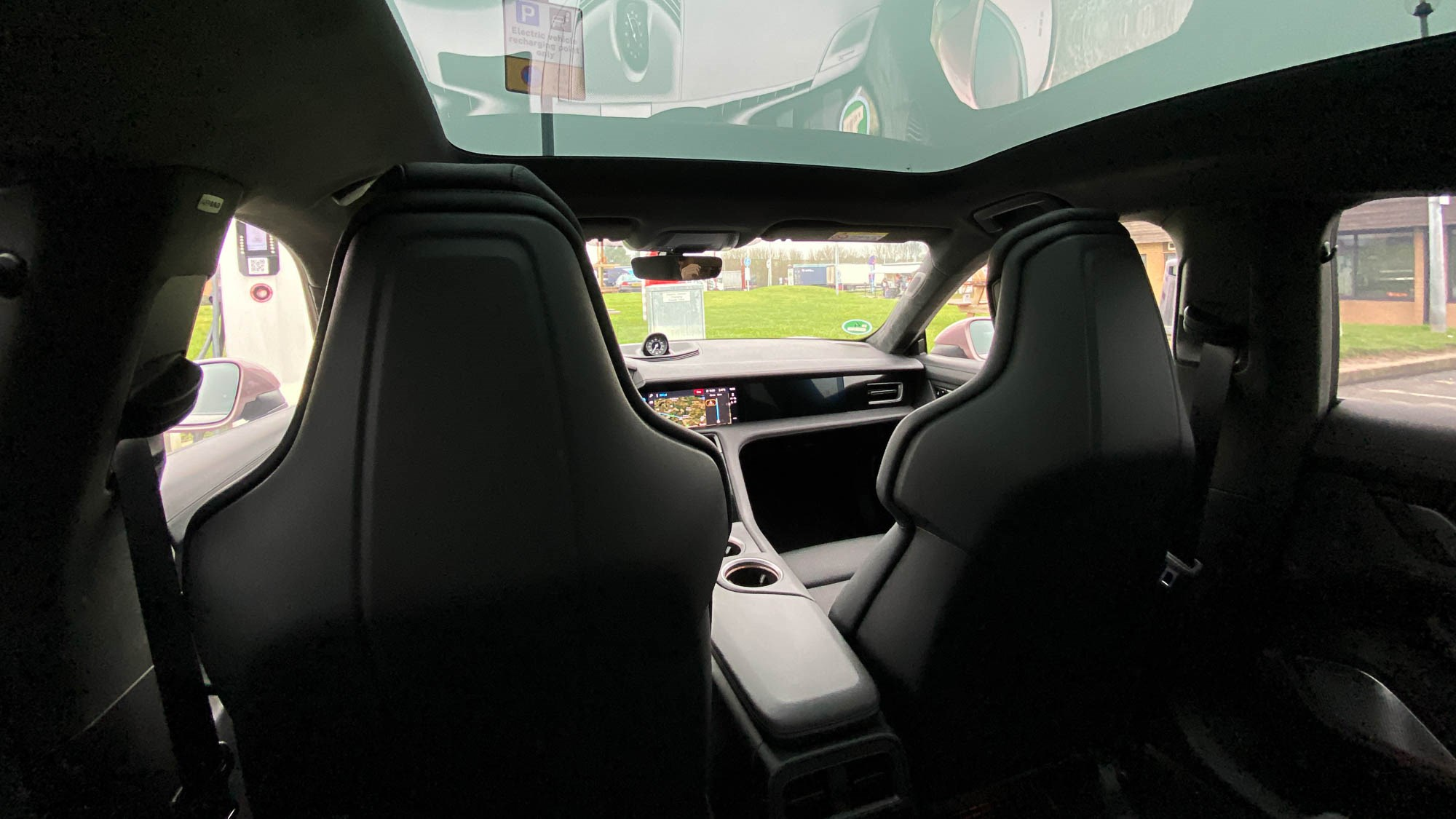 Porsche Taycan rear seats, with panoramic roof - 2021