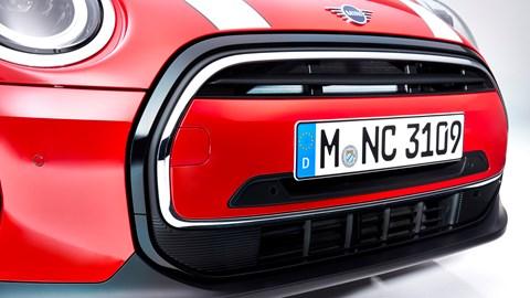 2021 Mini Hatch grille close-up