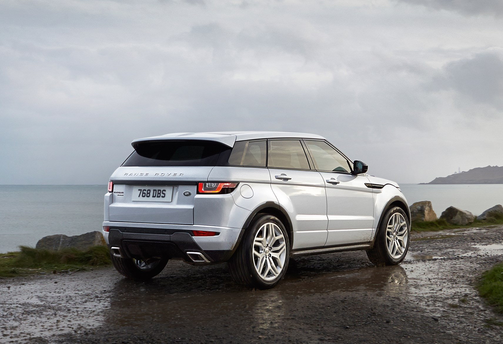 Range Rover Evoque 2016 Sweeps In With Fresh Wardrobe