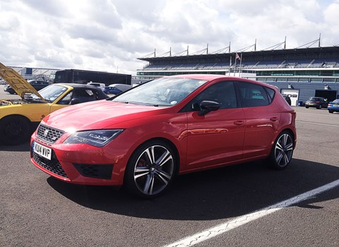 seat leon cupra 280 2015 long term test review by car magazine. Black Bedroom Furniture Sets. Home Design Ideas