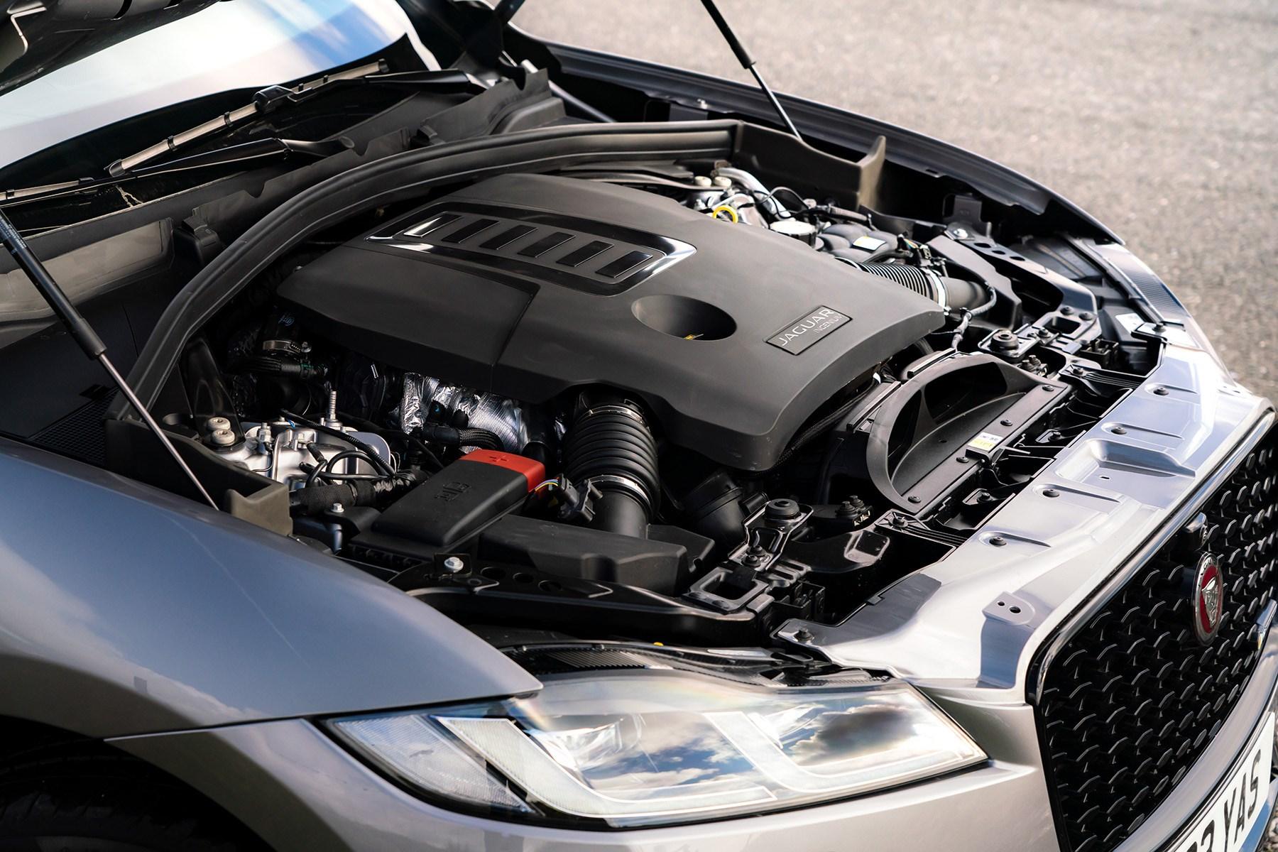 Jaguar F-Pace P400 engine 2021
