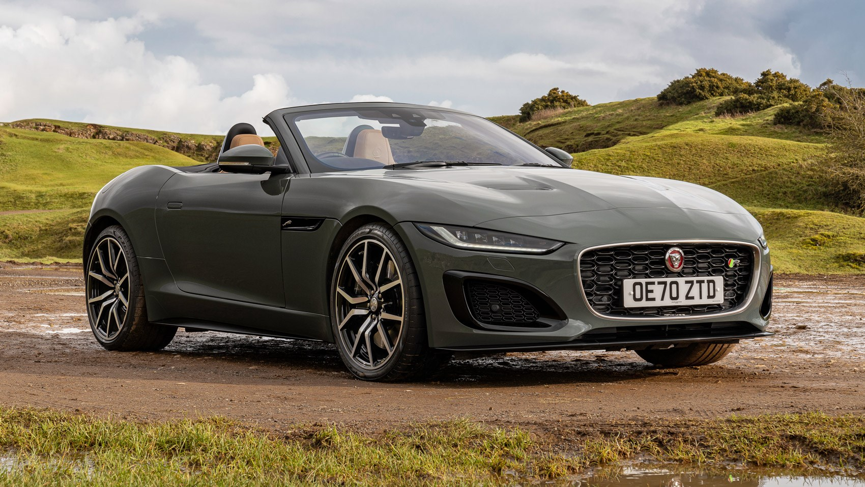 F-Type R convertible 60 static