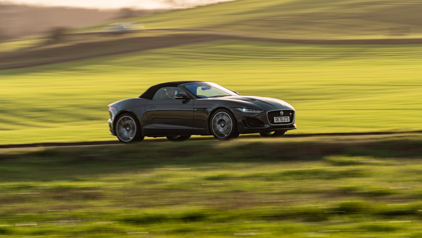 F-Type R convertible 60 side pan