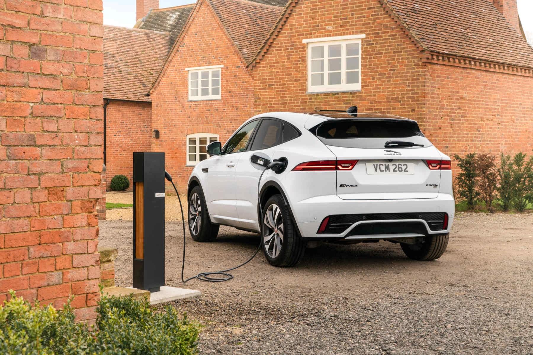 Jaguar E-Pace hybrid charging