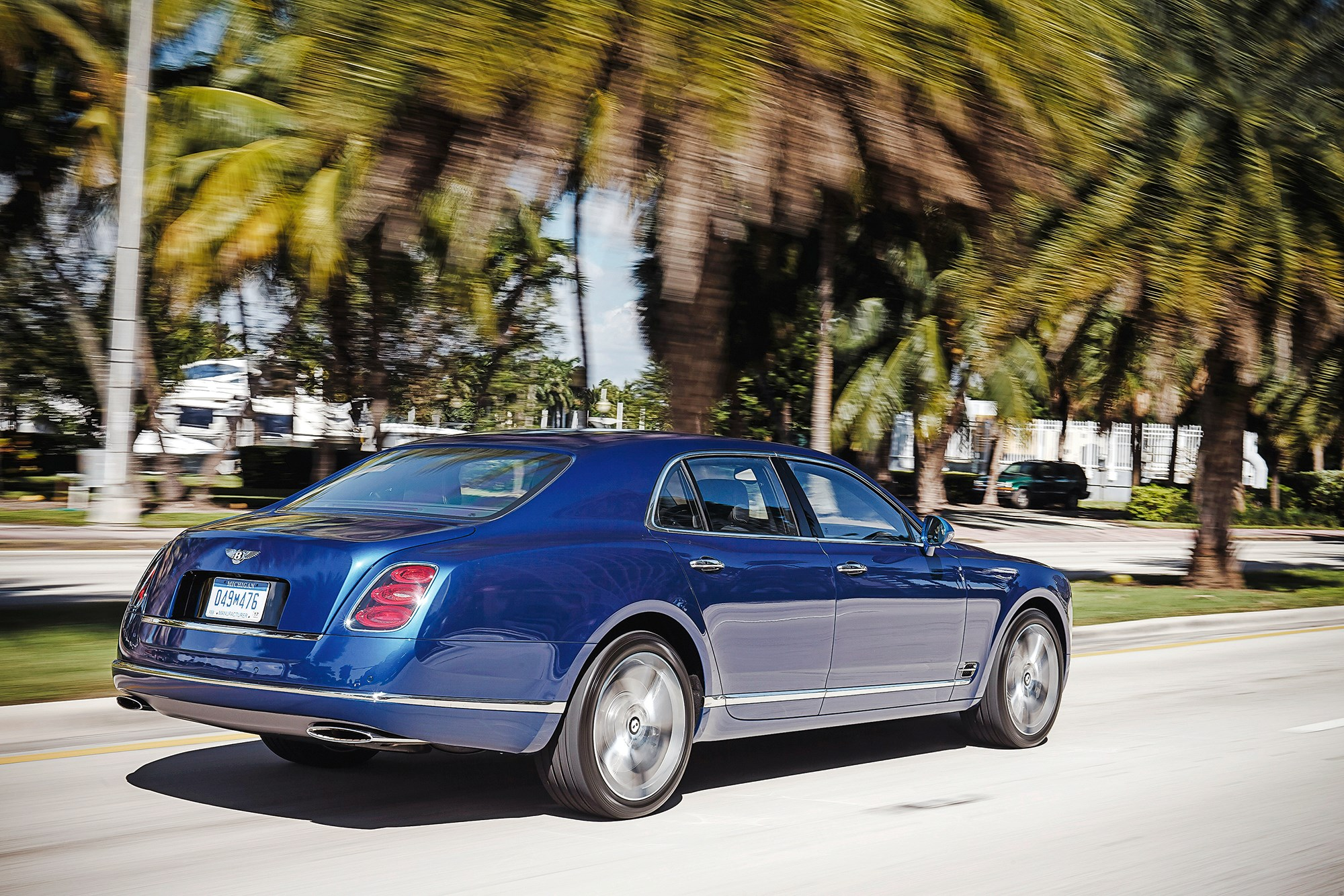 Bentley mulsanne speed 2015 review by car magazine bentley mulsanne looks every one of its 5575 millimetres vanachro Image collections