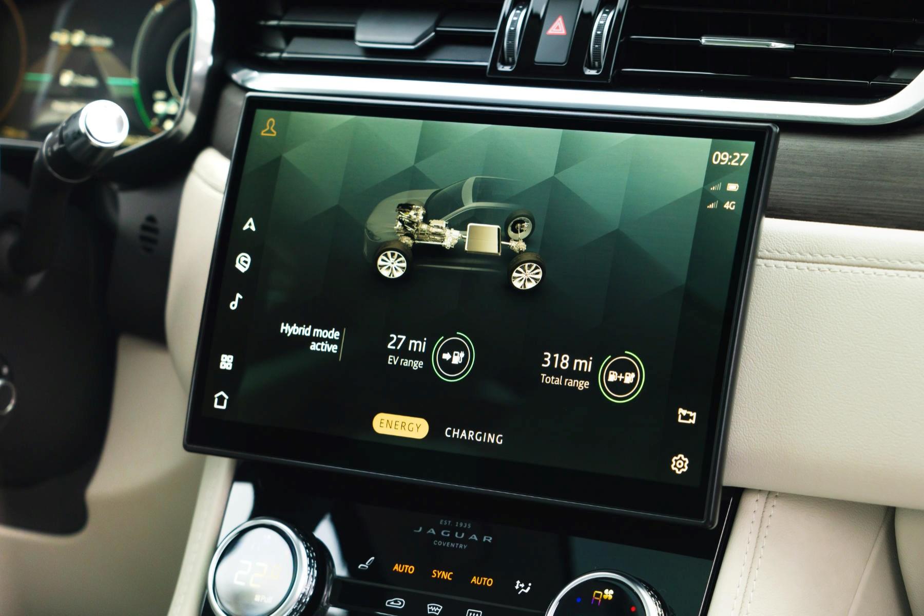 Jaguar F-Pace hybrid infotainment
