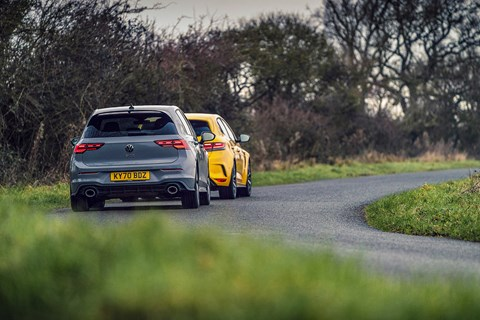 gti clubsport megane rear chase