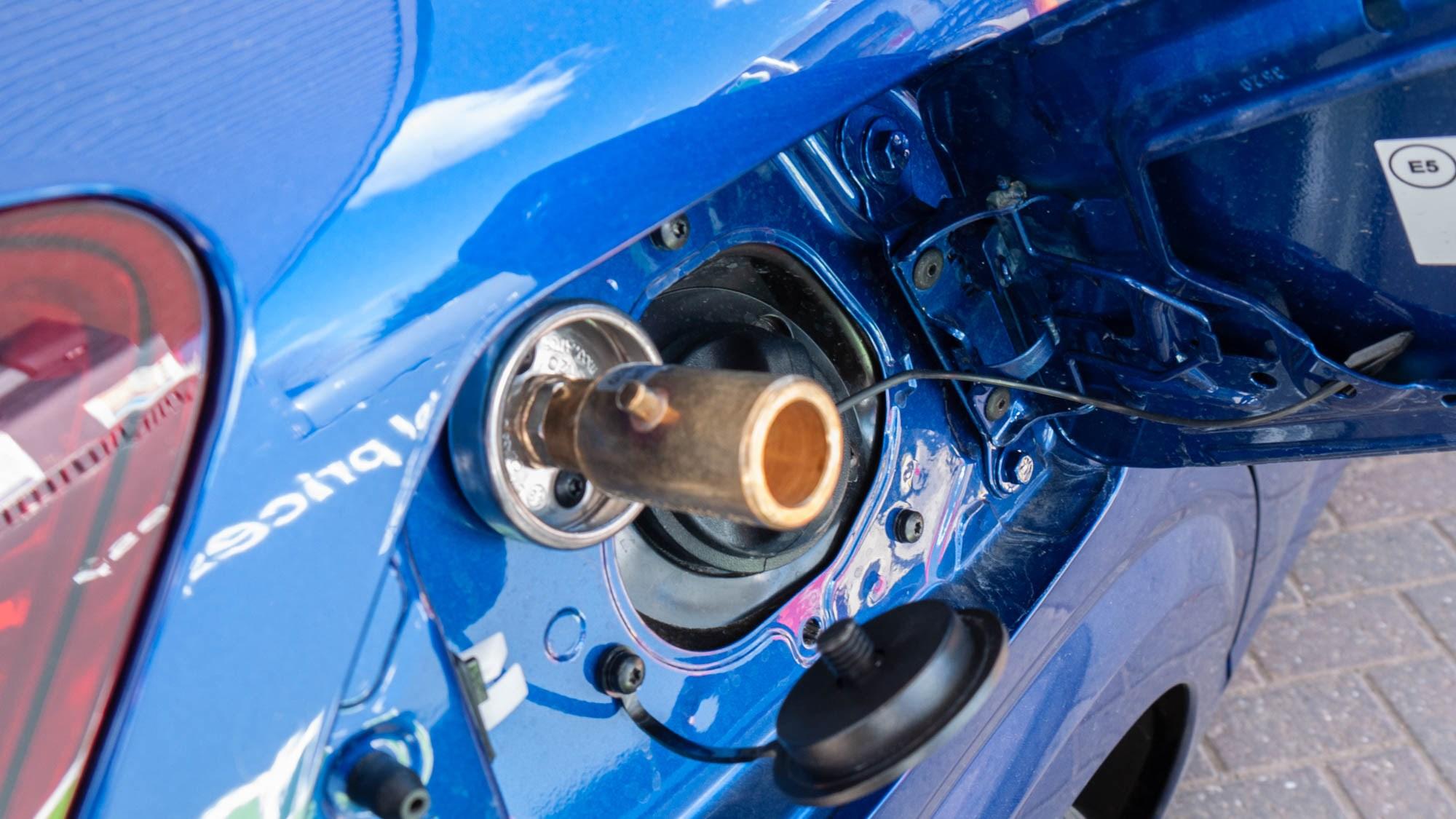 Dacia Sandero Bi-Fuel LPG filler adaptor