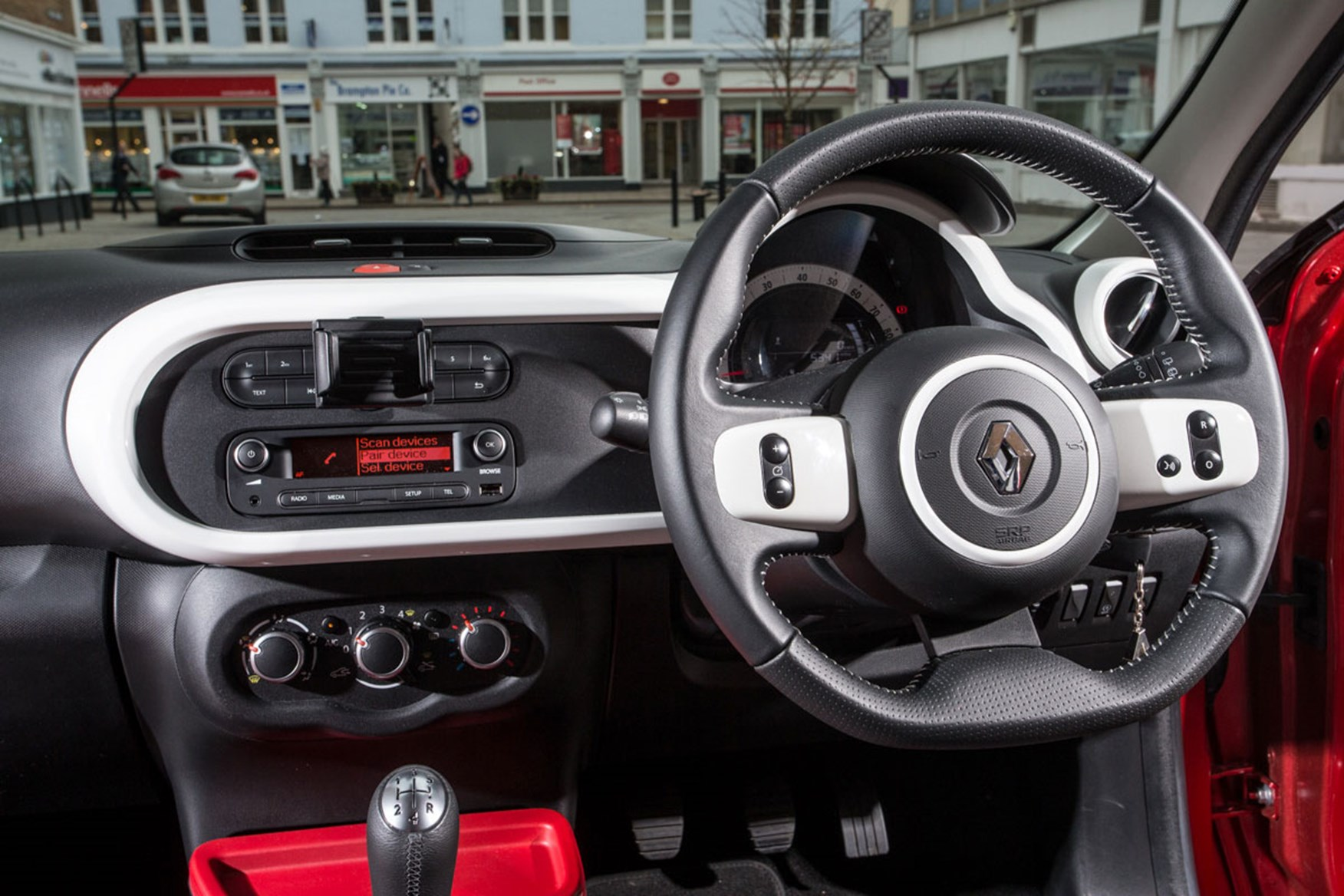 Renault Twingo vs VW Up twin-test review (2015) by CAR Magazine