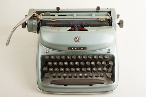 Alpina typewriter
