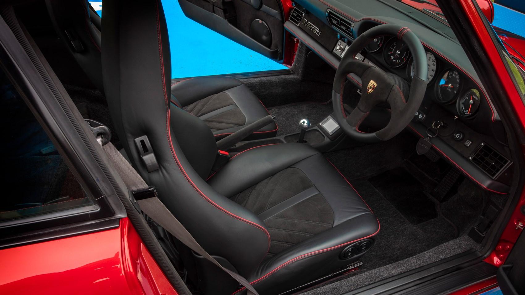 everrati 911 interior