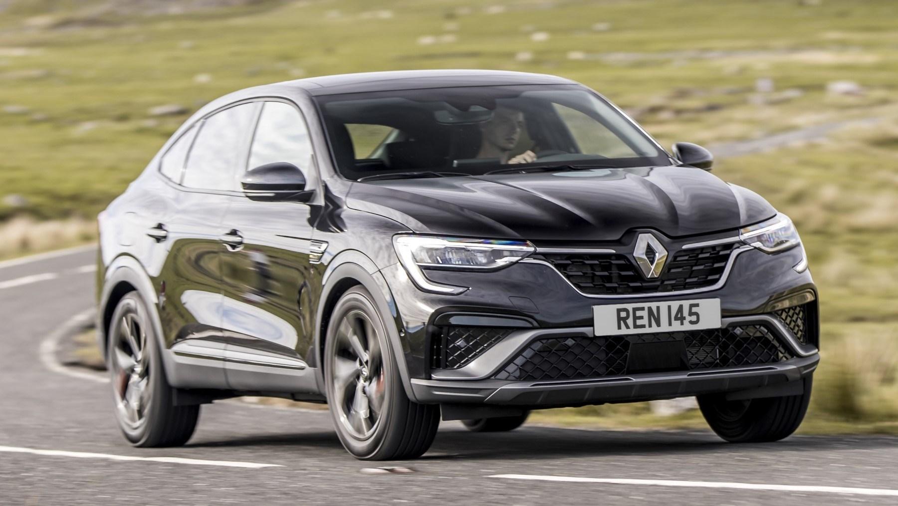 2021 Renault Arkana - front cornering