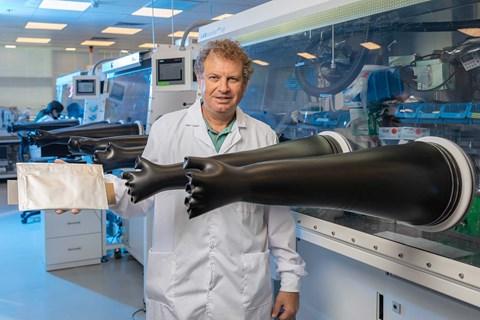 StoreDot's Dr Doron Myersdorf in his Israeli lab