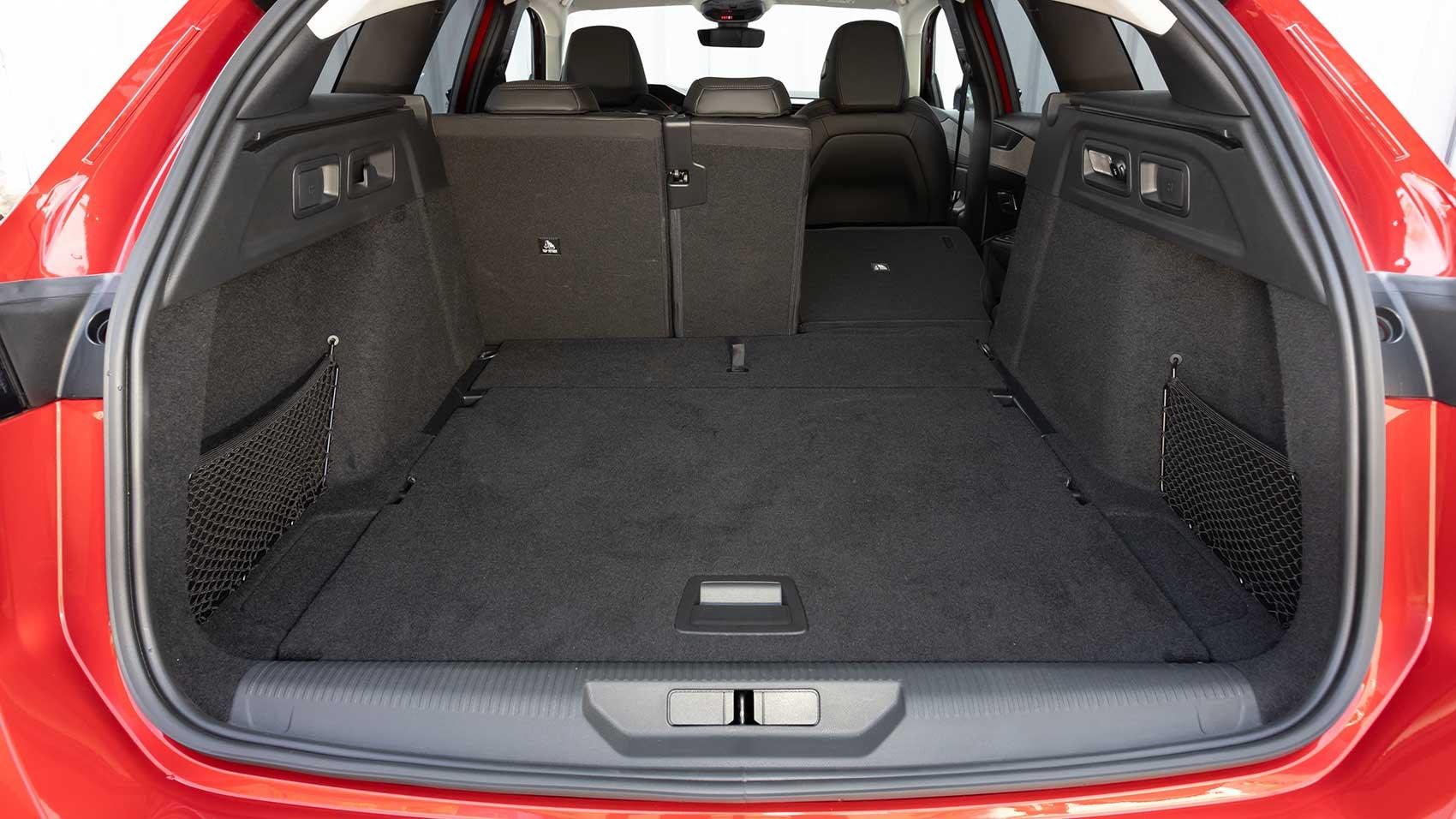 Peugeot 308 SW rear load bay
