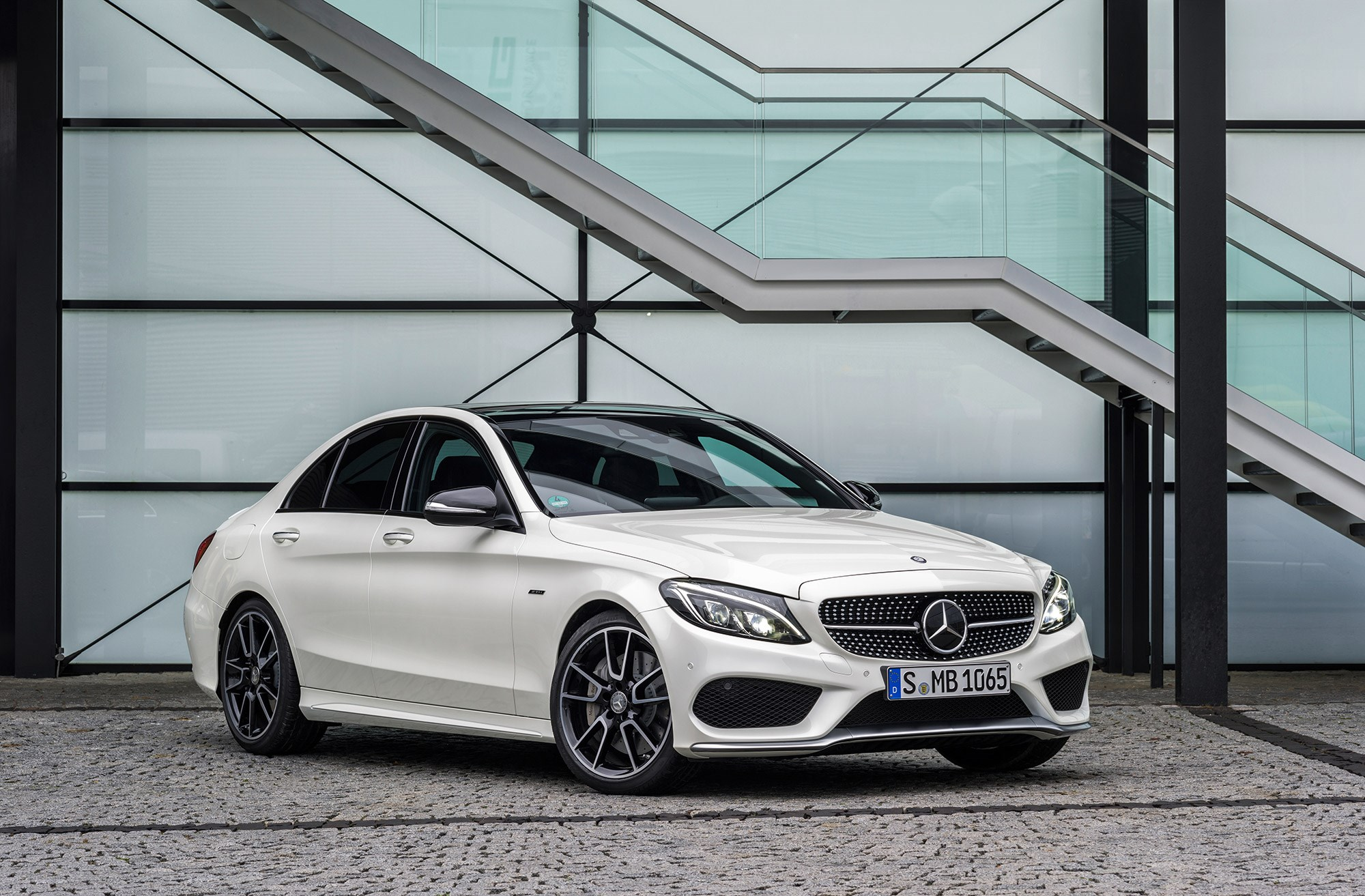 mercedes c450 amg 4matic 2015 review by car magazine. Black Bedroom Furniture Sets. Home Design Ideas