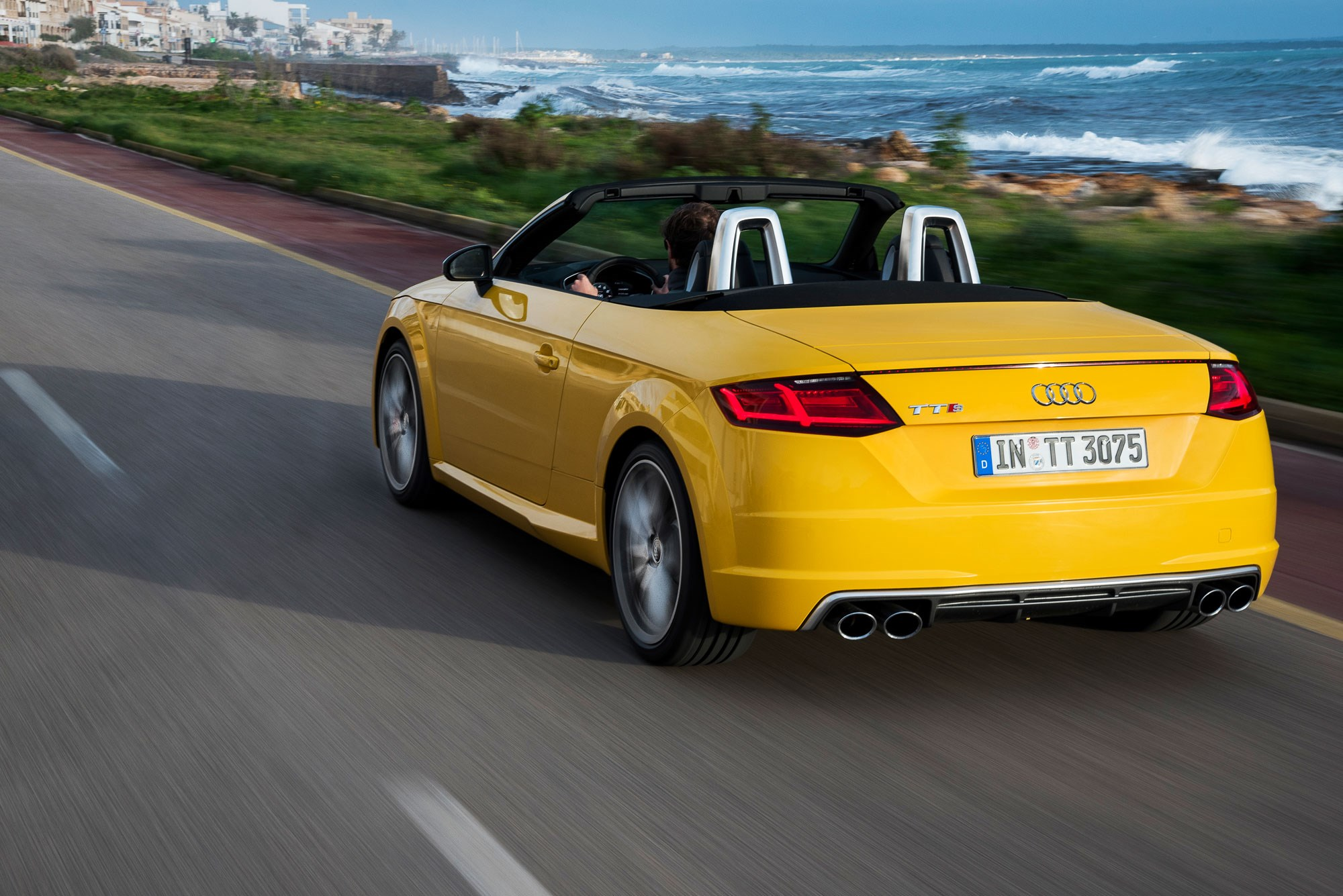 audi tts roadster 2015 review by car magazine. Black Bedroom Furniture Sets. Home Design Ideas