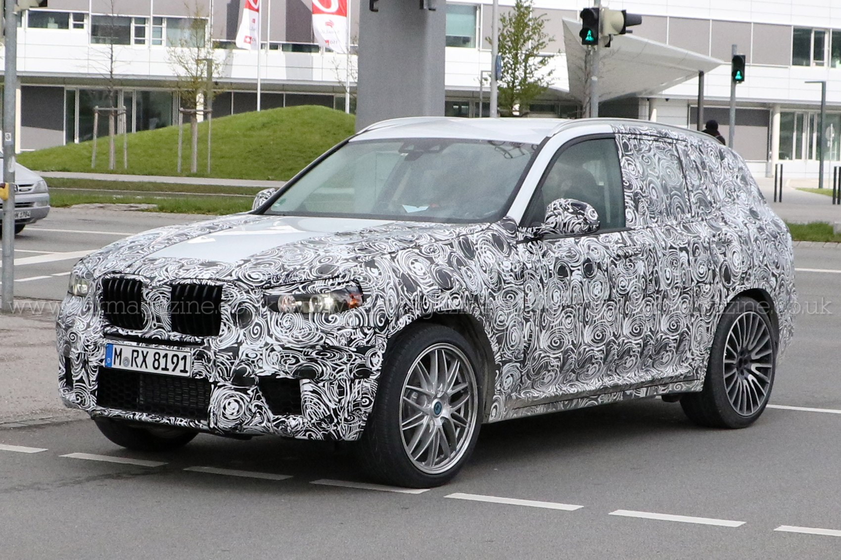 the next bmw x3 spied full scoop on 2017 s g01 suv by car magazine. Black Bedroom Furniture Sets. Home Design Ideas