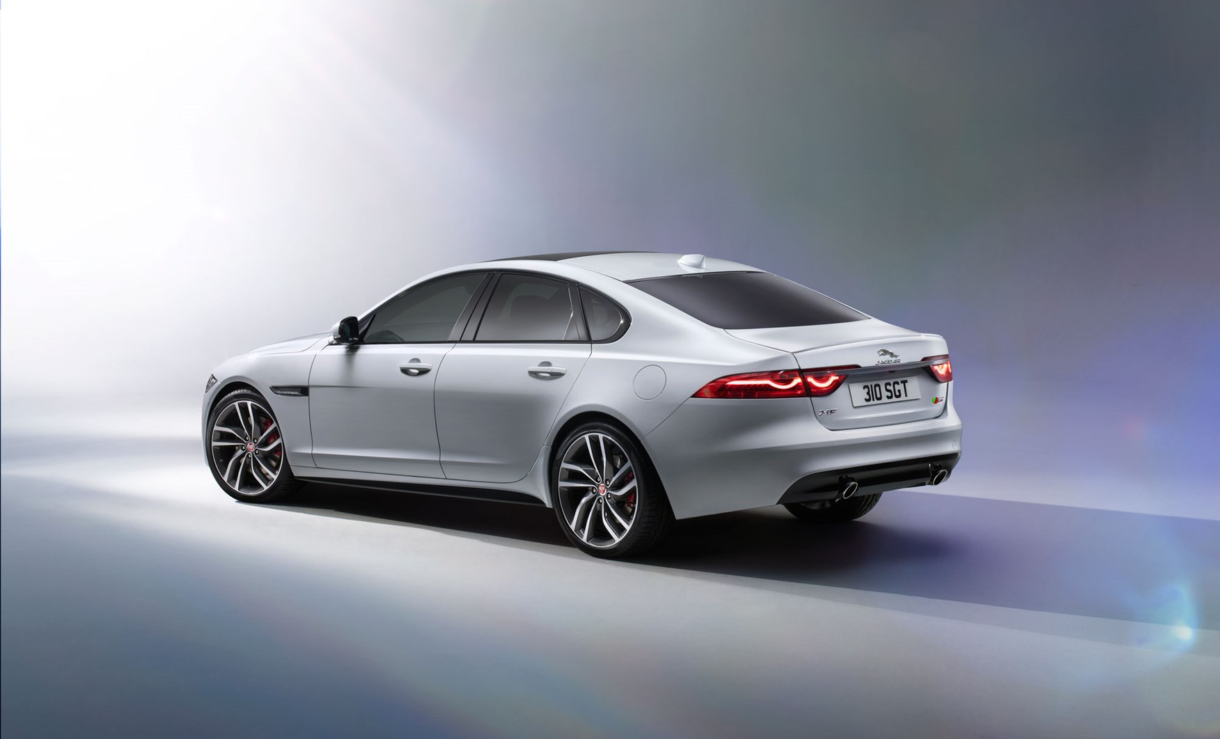 new jaguar xf 2015 revealed honey i inflated the xe by car magazine. Black Bedroom Furniture Sets. Home Design Ideas