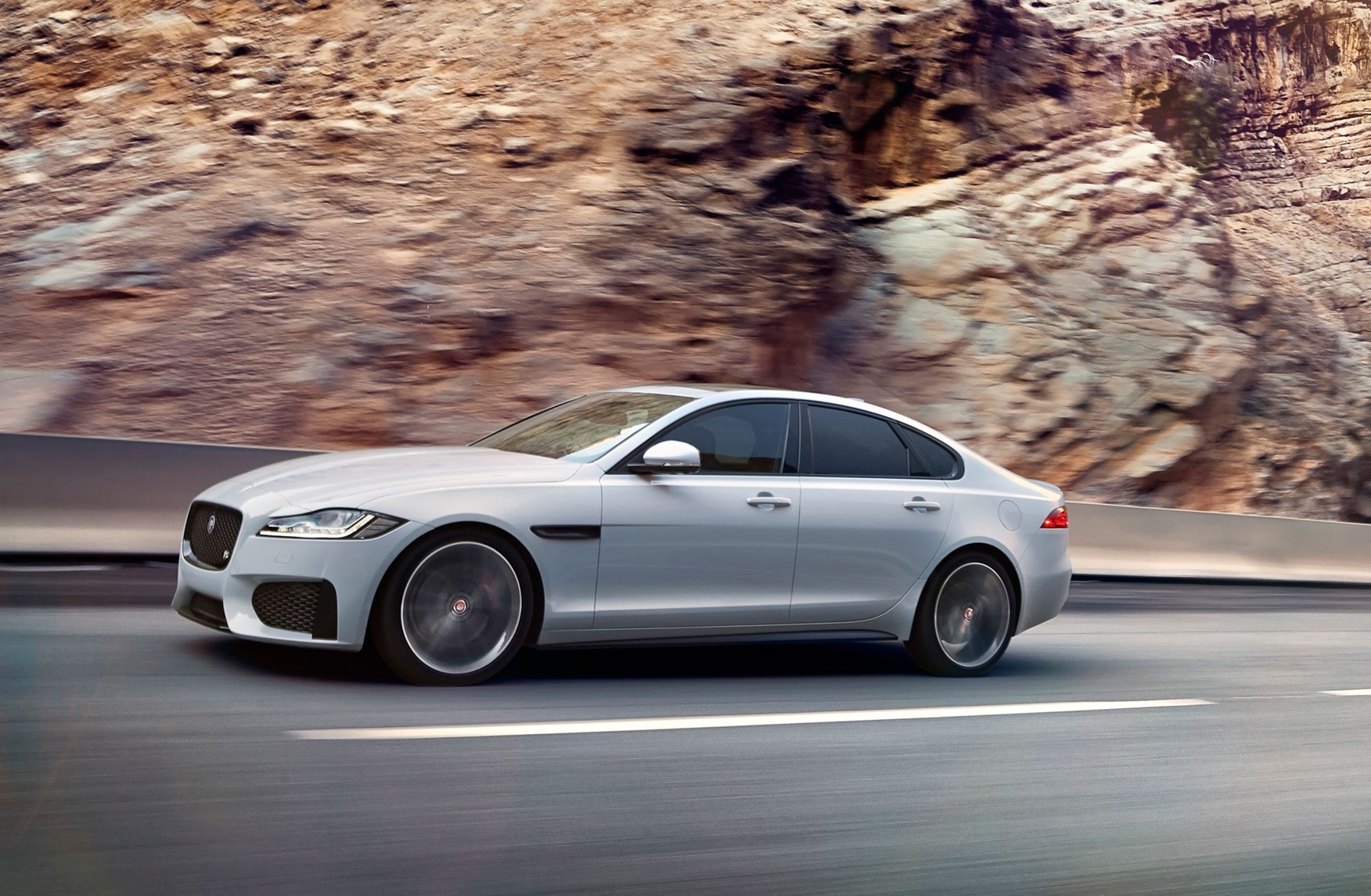 new jaguar xf 2015 revealed honey i inflated the xe car magazine. Black Bedroom Furniture Sets. Home Design Ideas