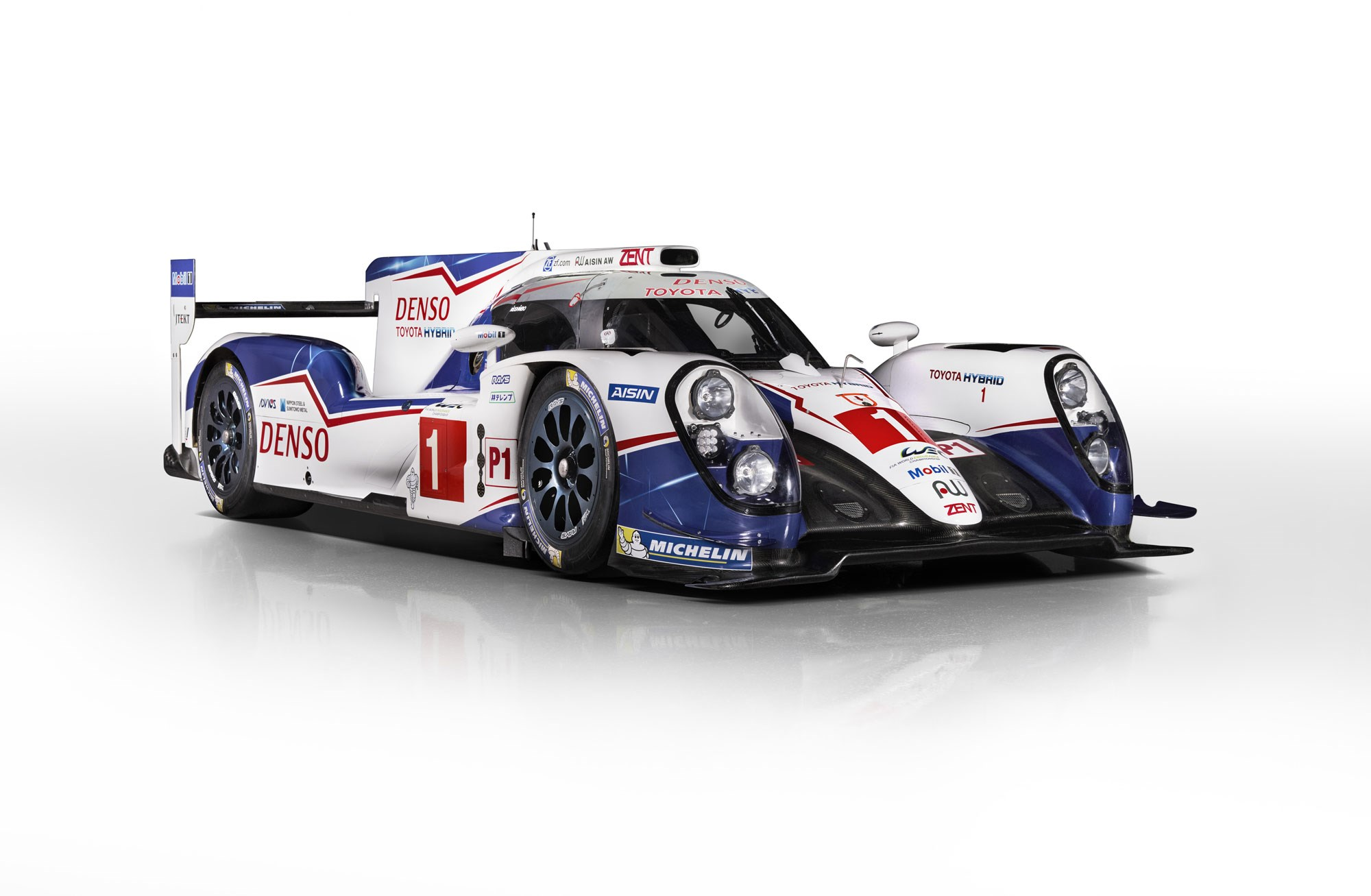 contenders ready porsche and toyota s 2015 le mans racers revealed by car magazine. Black Bedroom Furniture Sets. Home Design Ideas