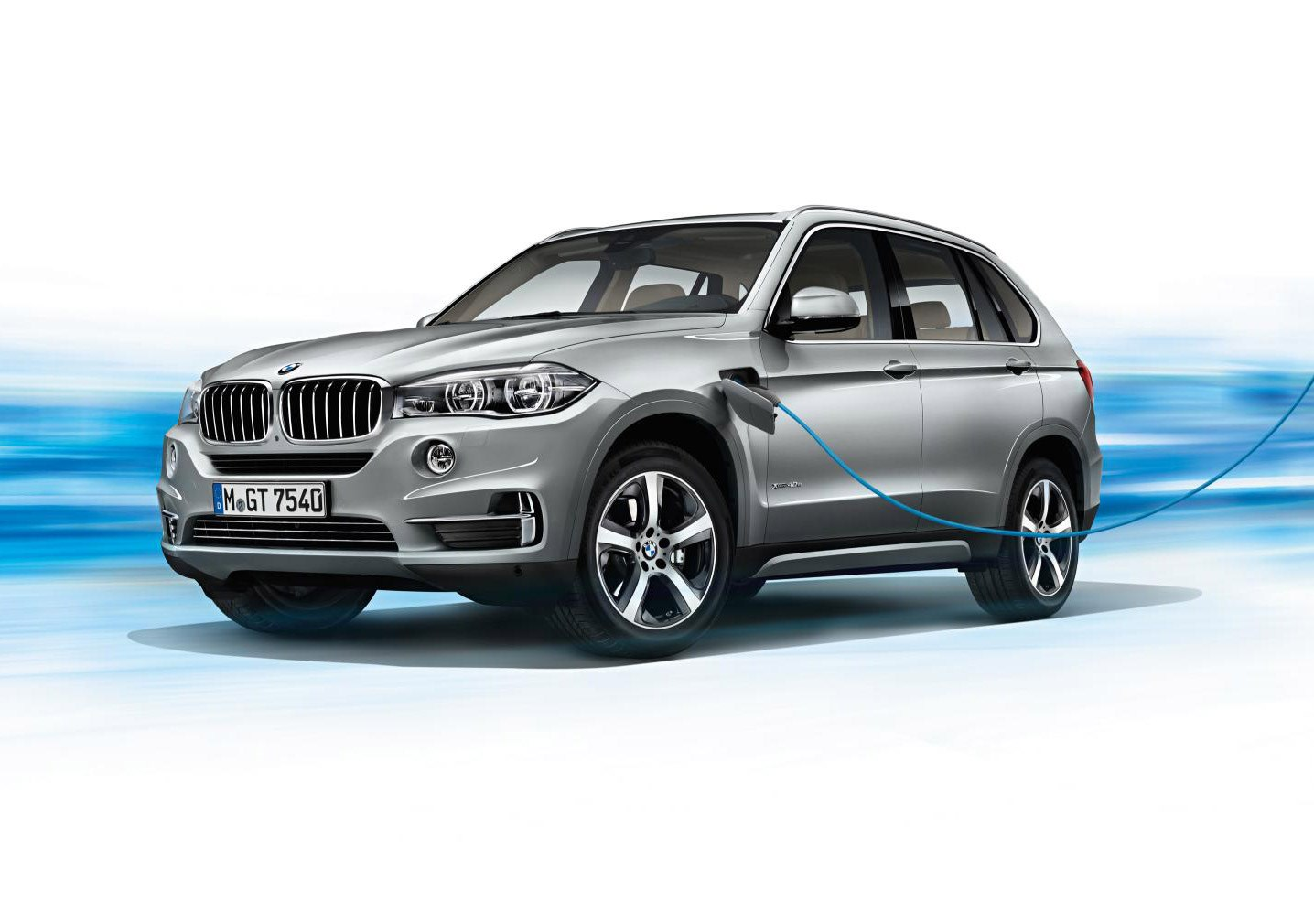 bmw x5 xdrive40e a little taste of i for x at new york car magazine. Black Bedroom Furniture Sets. Home Design Ideas
