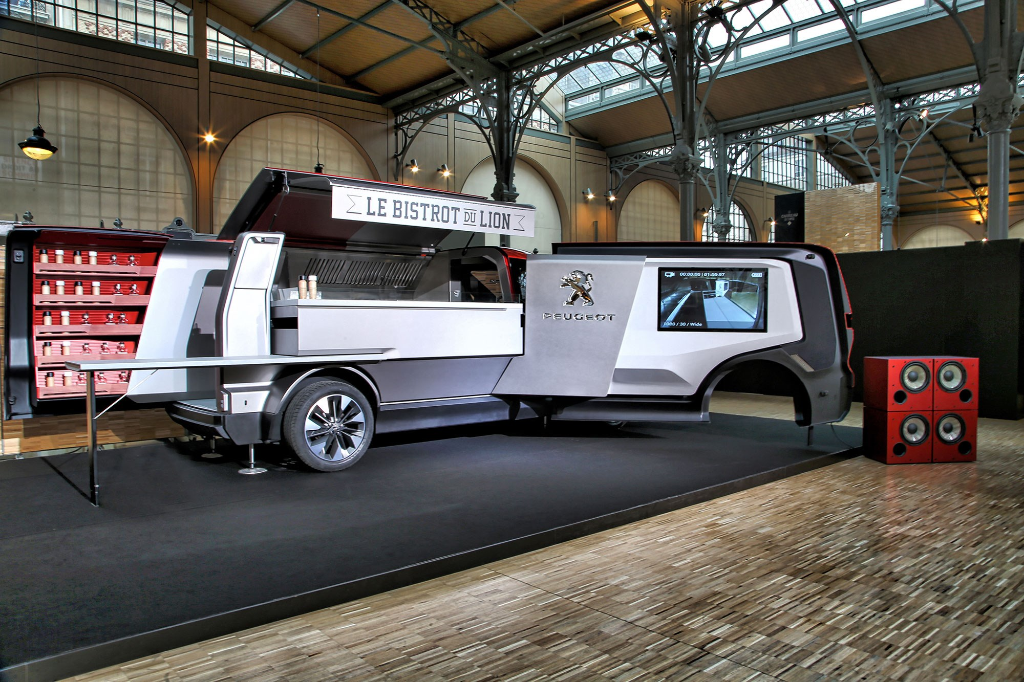 Peugeot food truck burger vans reimagined by the french - Remorque cuisine mobile ...