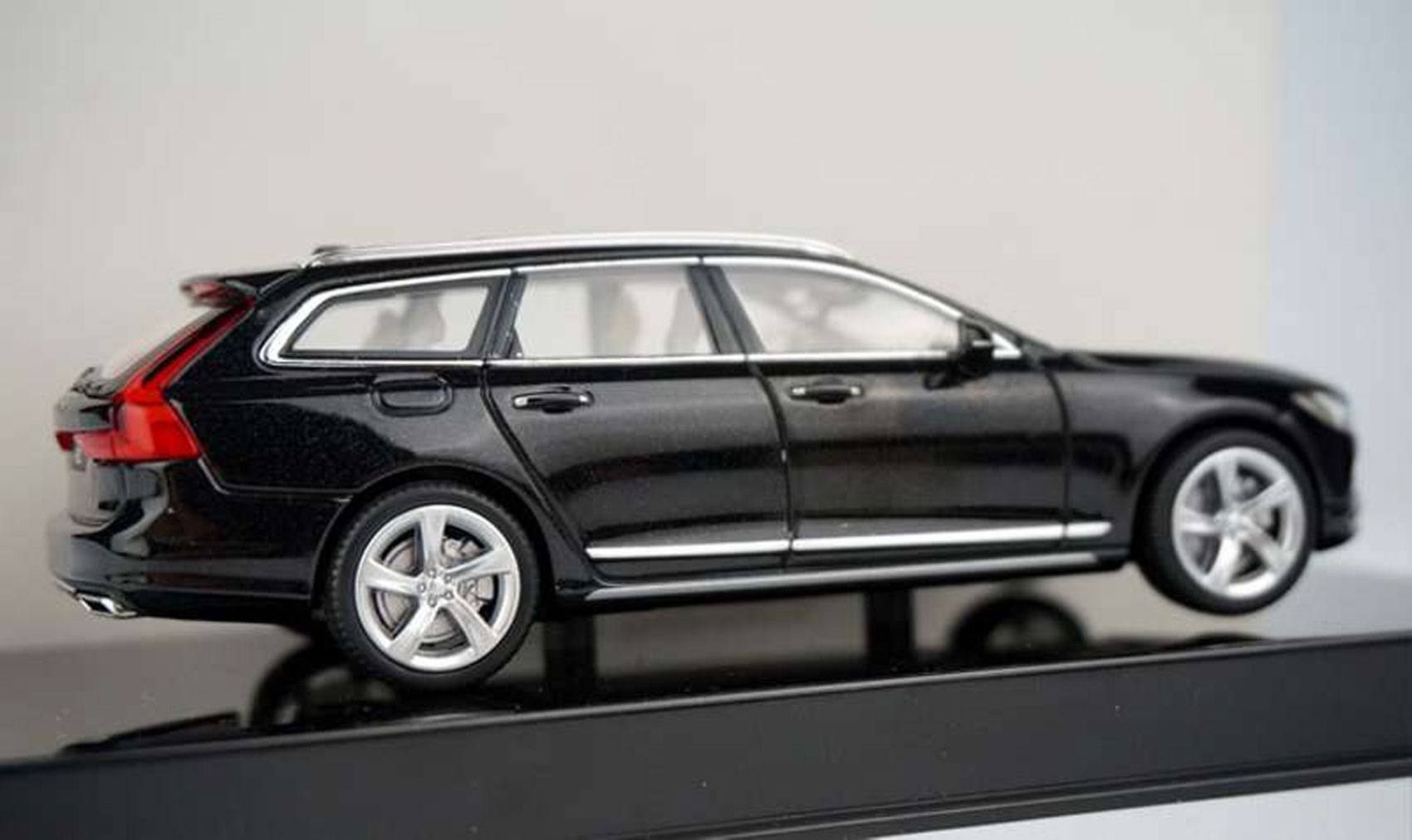 new w com carsalesbase small volvo volvos s poll concept models previewed