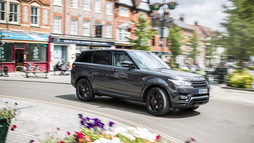 car's range rover sport in the home counties