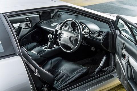 Lotus Esprit cabin: let's do the time-warp again!