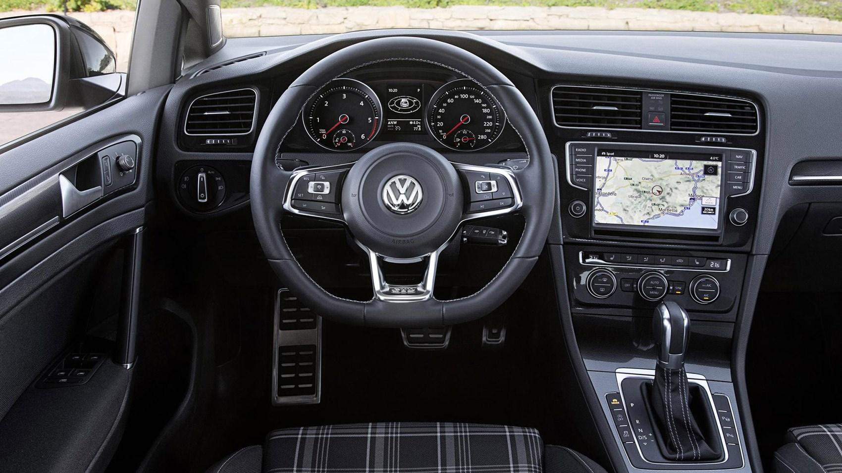 vw golf gtd estate 2015 review car magazine. Black Bedroom Furniture Sets. Home Design Ideas