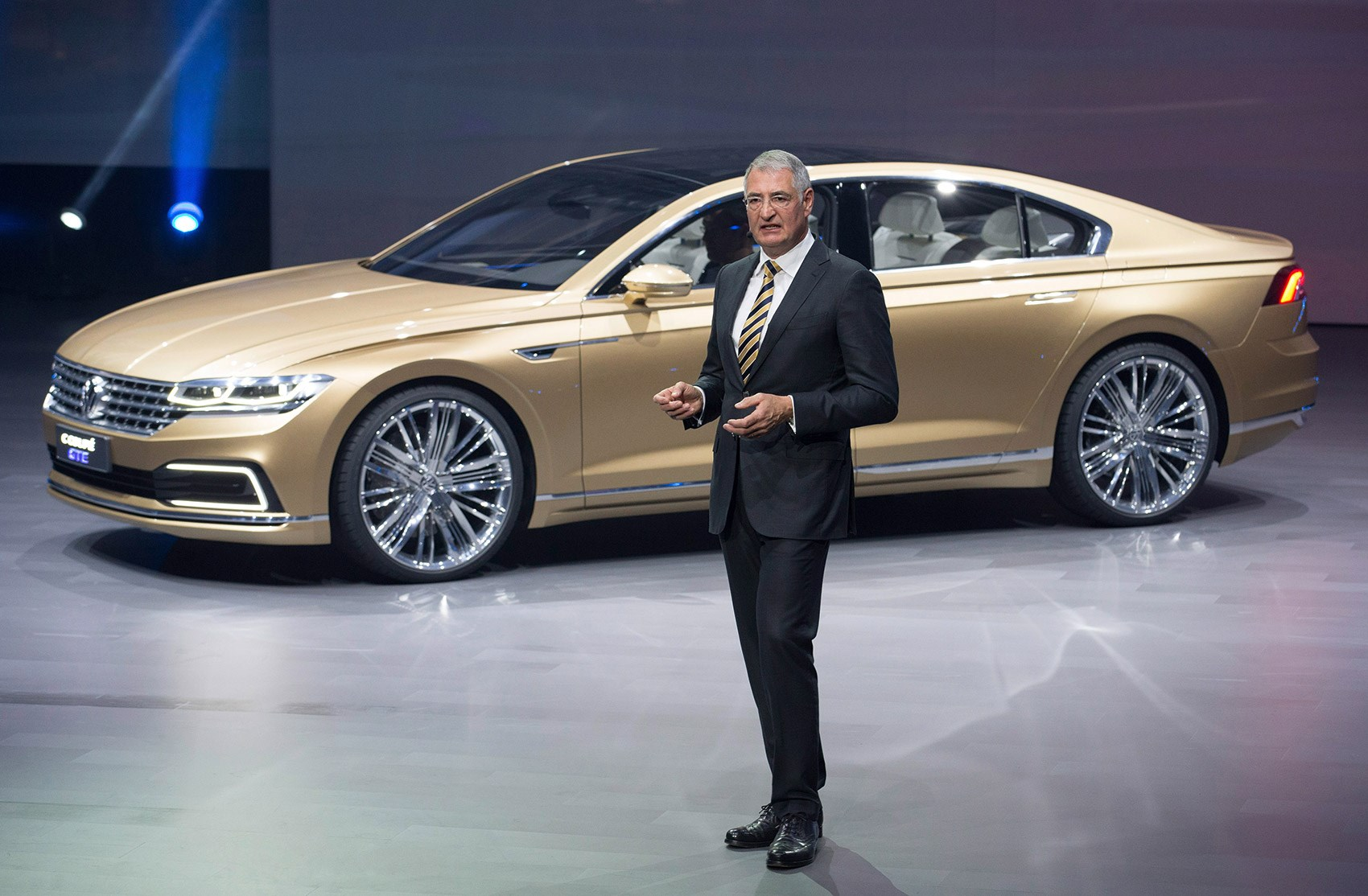 super size cc world debut for new vw c coupe gte in shanghai by car magazine. Black Bedroom Furniture Sets. Home Design Ideas