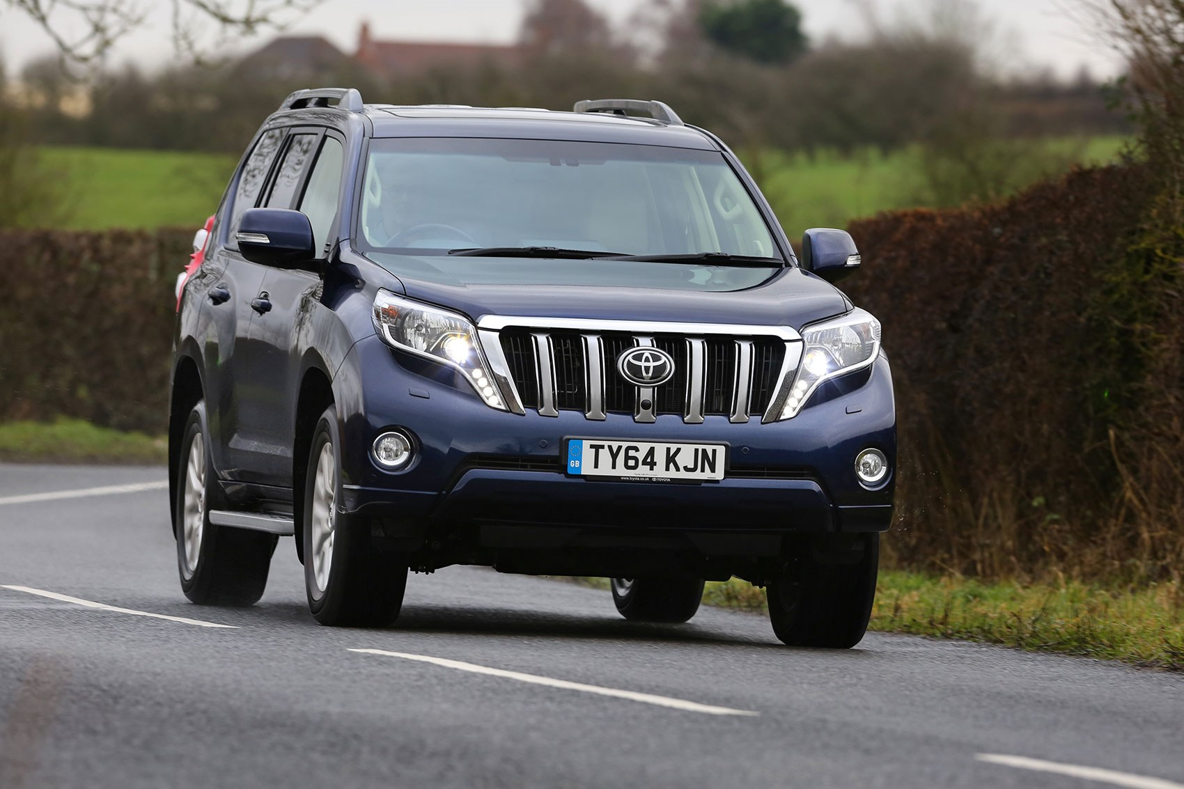 Toyota Land Cruiser 3 0 D-4D Icon (2015) review | CAR Magazine