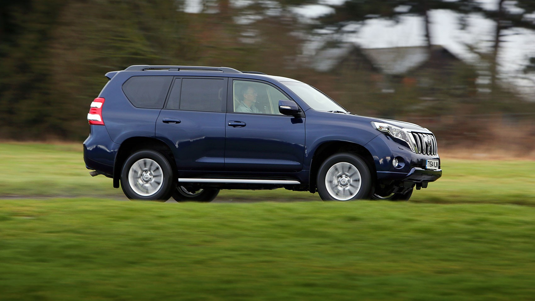 Ds New Model Blitz Begins With Suv Car Magazine Toyota Land Cruiser Three Rows Of Seats In The