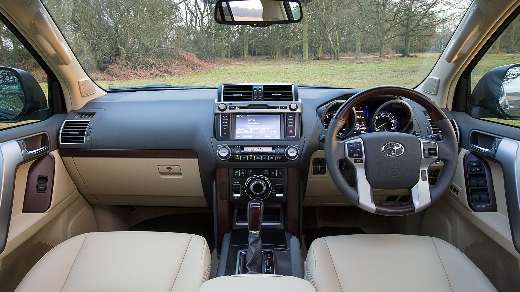 Toyota Land Cruiser 3 0 D 4d Icon 2015 Review Car Magazine