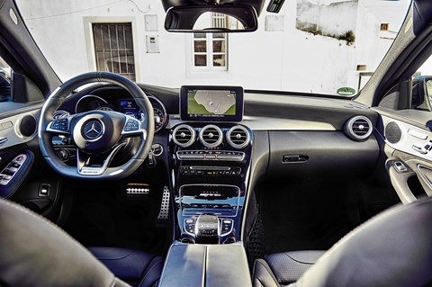 The cabin of the C63 AMG: a triumph