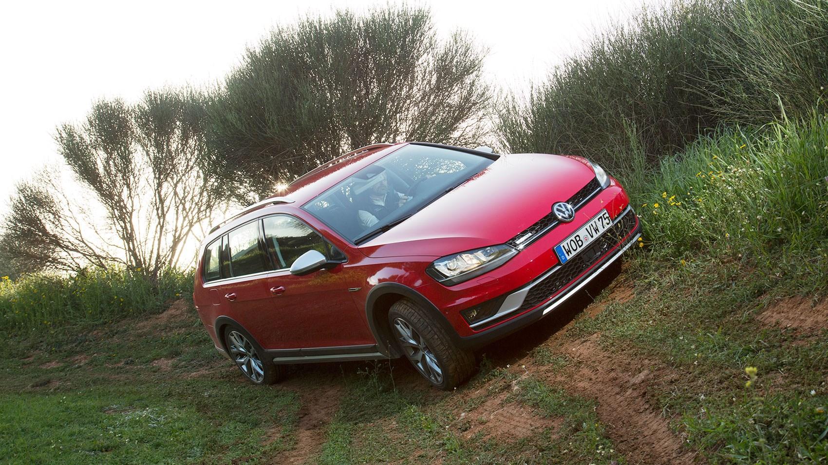 VW Golf Alltrack 2.0 TDI DSG (2015) review | CAR Magazine