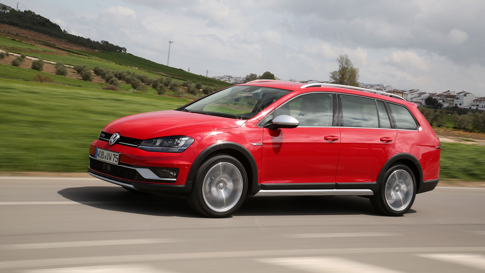 VW Golf Alltrack 2.0 TDI DSG (2015) review | CAR Magazine