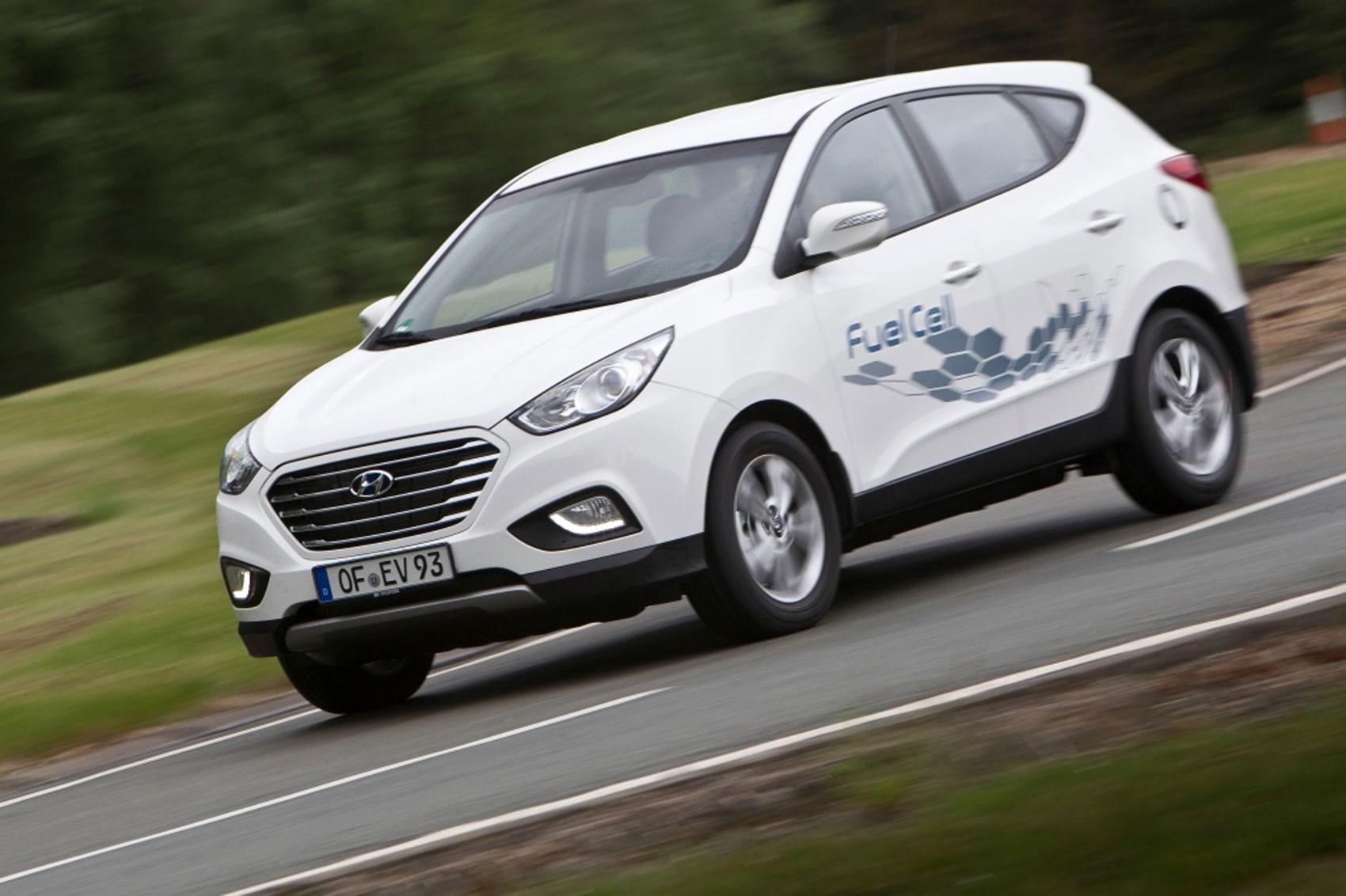 Hydrogen Powered Hyundai Ix35 Fuel Cell Costs 53 000 Car Magazine