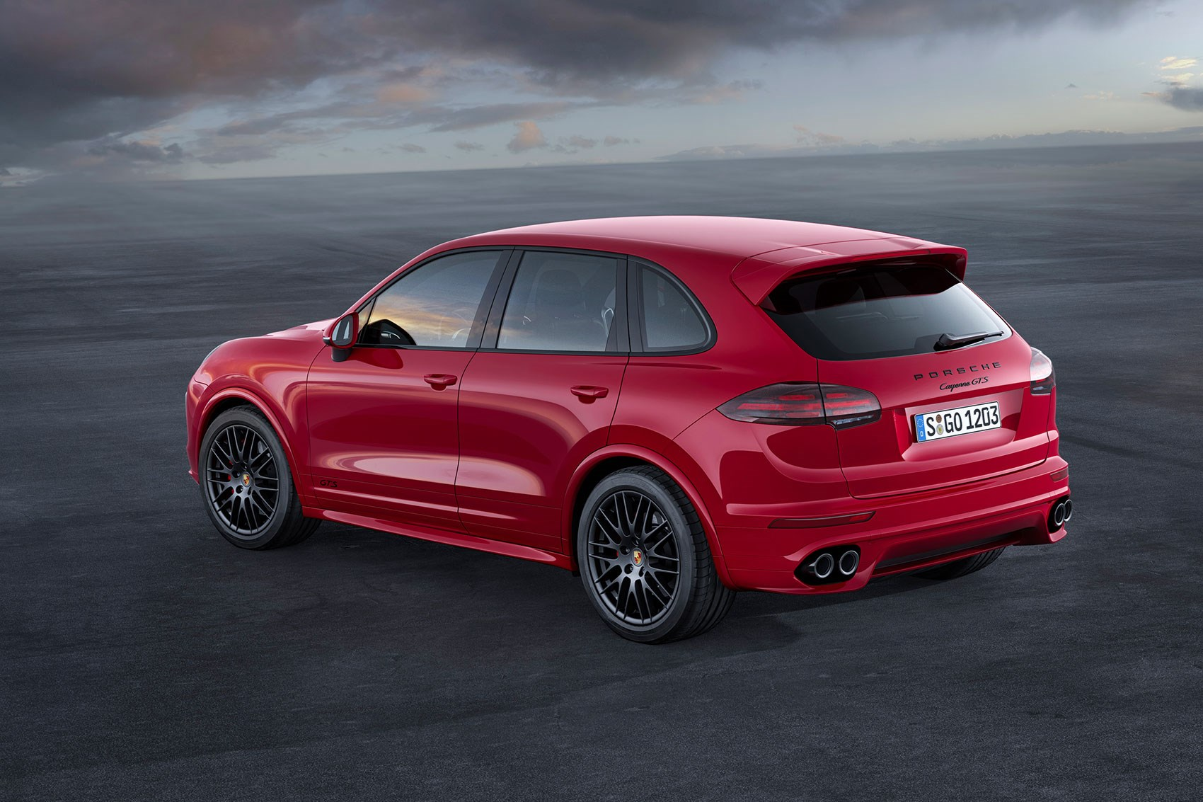 porsche cayenne gts 2015 review car magazine. Black Bedroom Furniture Sets. Home Design Ideas