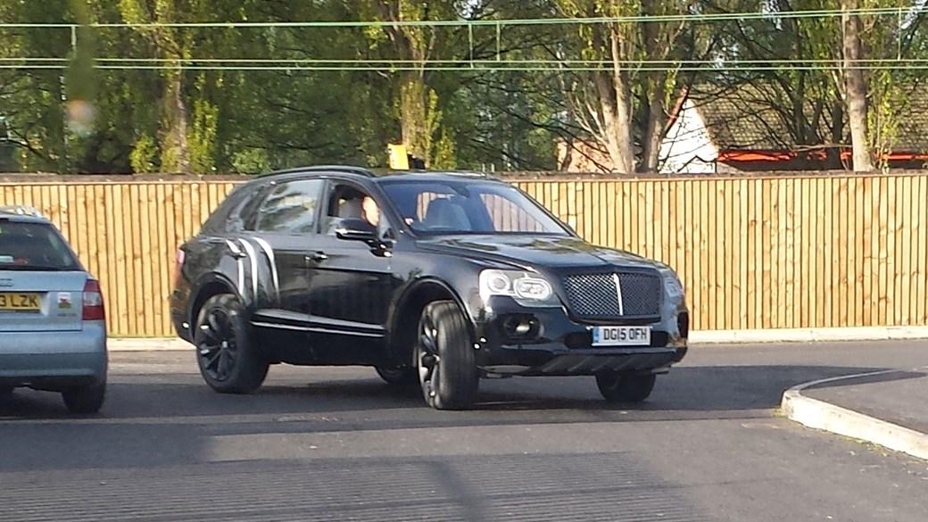 2015 - [Bentley] Bentayga - Page 6 Zbentleybentaygaclose-up