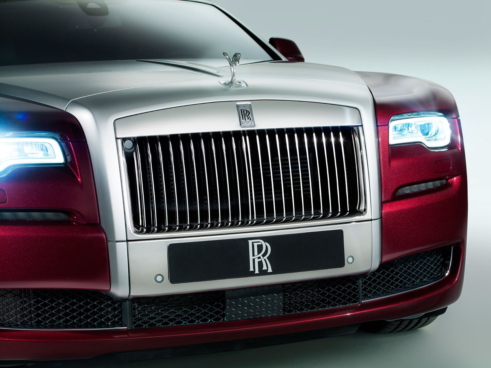 Rolls royce dawn the 2016 wraith cabrio is christened by for Rolls royce motor cars