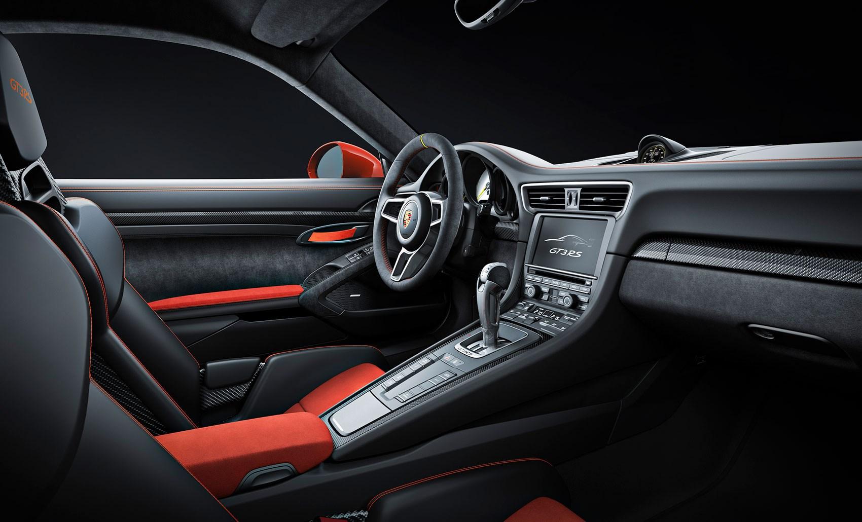 focused cabin of new gt3 rs - Porsche 911 Gt3 2015