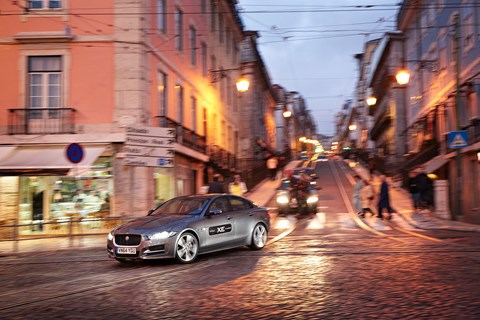 City streets: the XE is unflappable