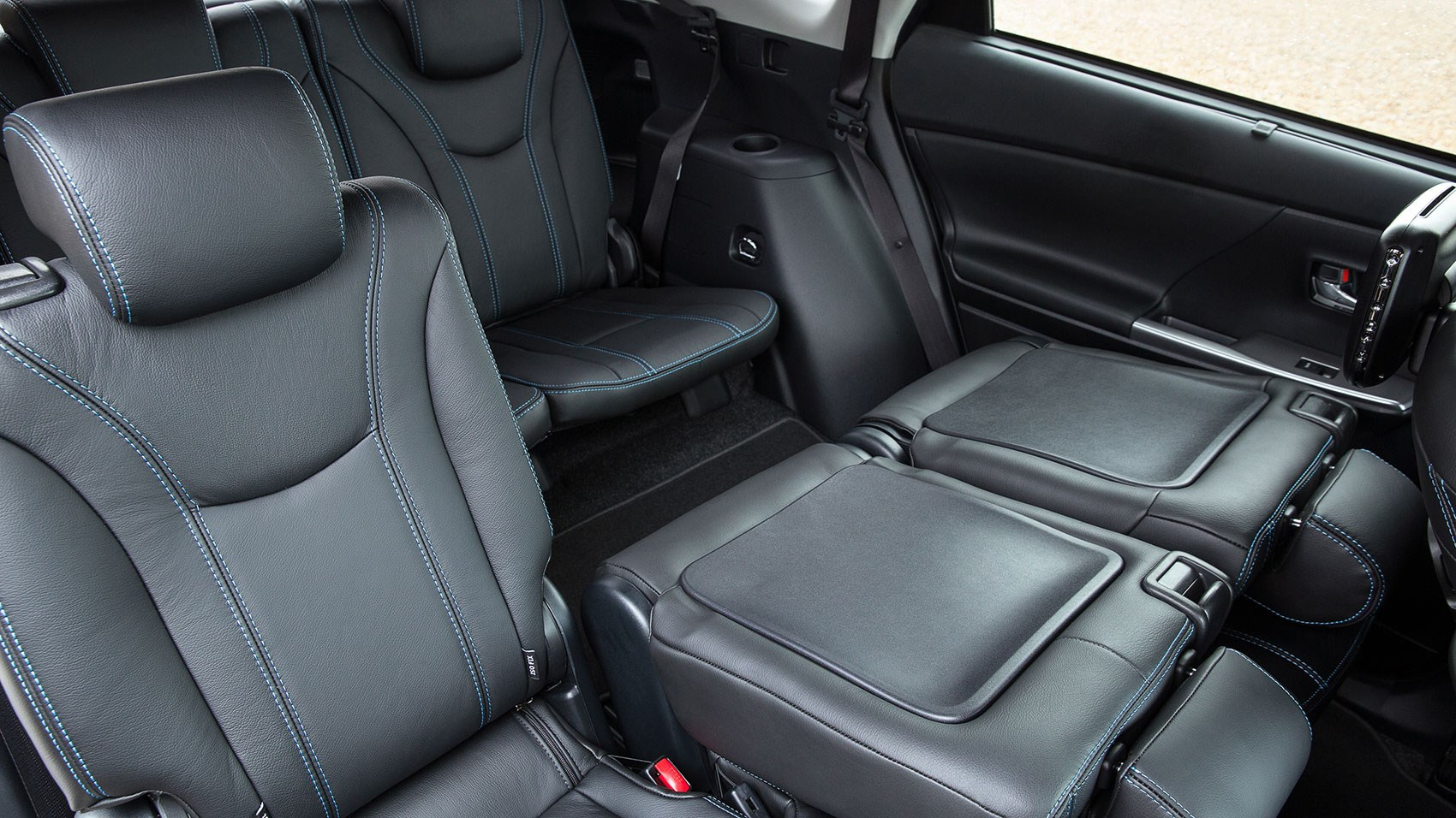 seven seats as standard in the toyota prius plus