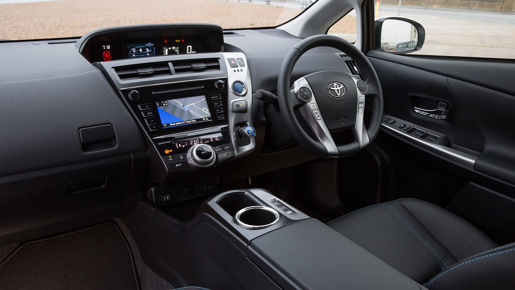 Toyota Prius Plus 2015 review by CAR Magazine
