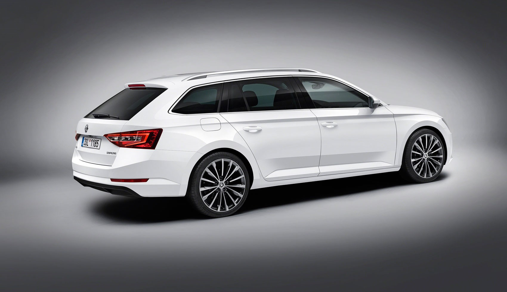 Skoda Superb Estate 2015 Priced Below 163 20k Perfect For