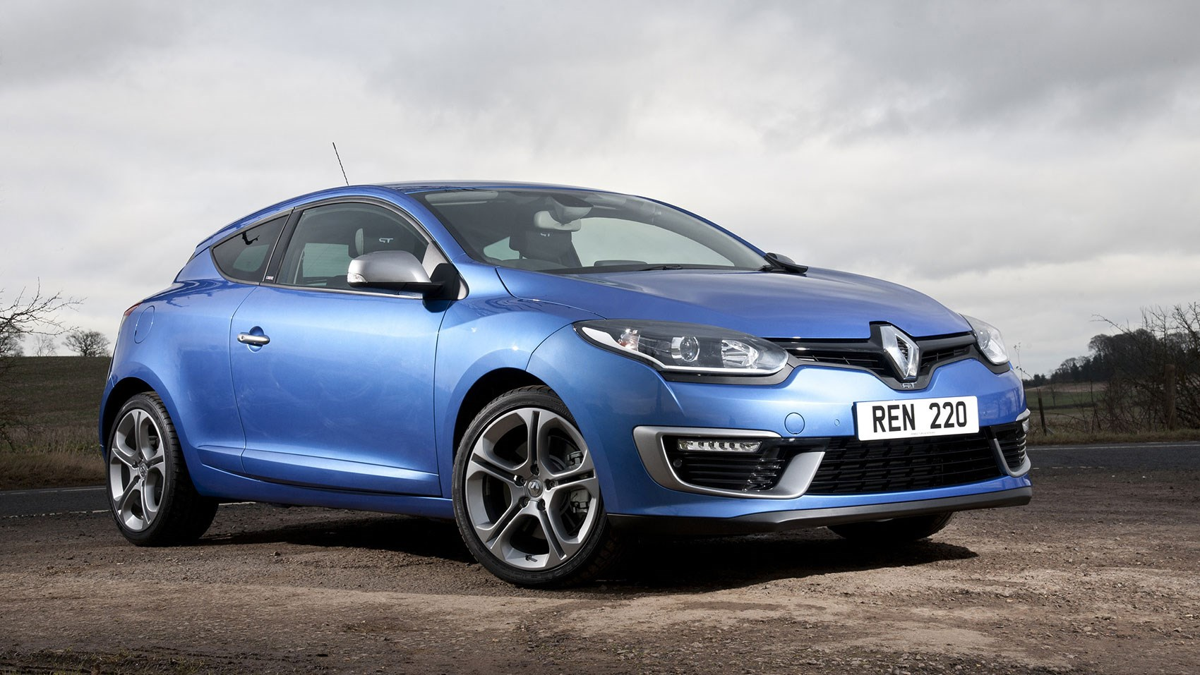 renault megane renaultsport gt 220 coupe 2015 review by car magazine. Black Bedroom Furniture Sets. Home Design Ideas