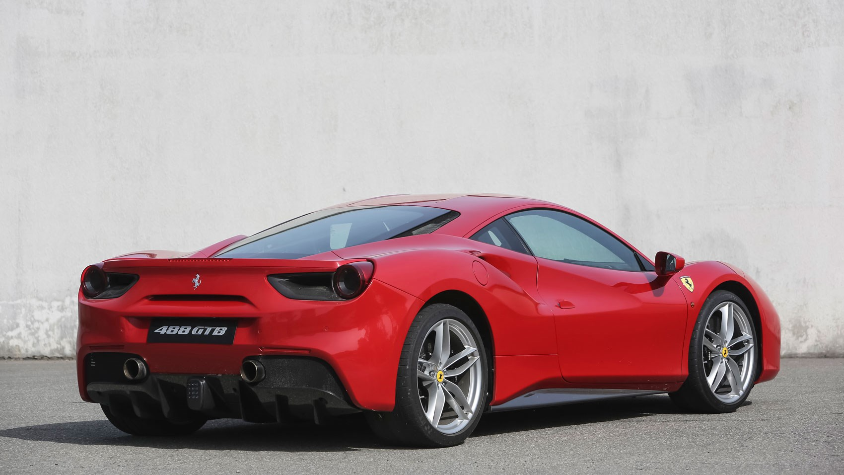 ferrari 488 gtb 2015 review by car magazine. Black Bedroom Furniture Sets. Home Design Ideas