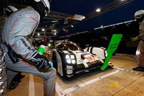 Porsche #19 pitstop, Le Mans 2015