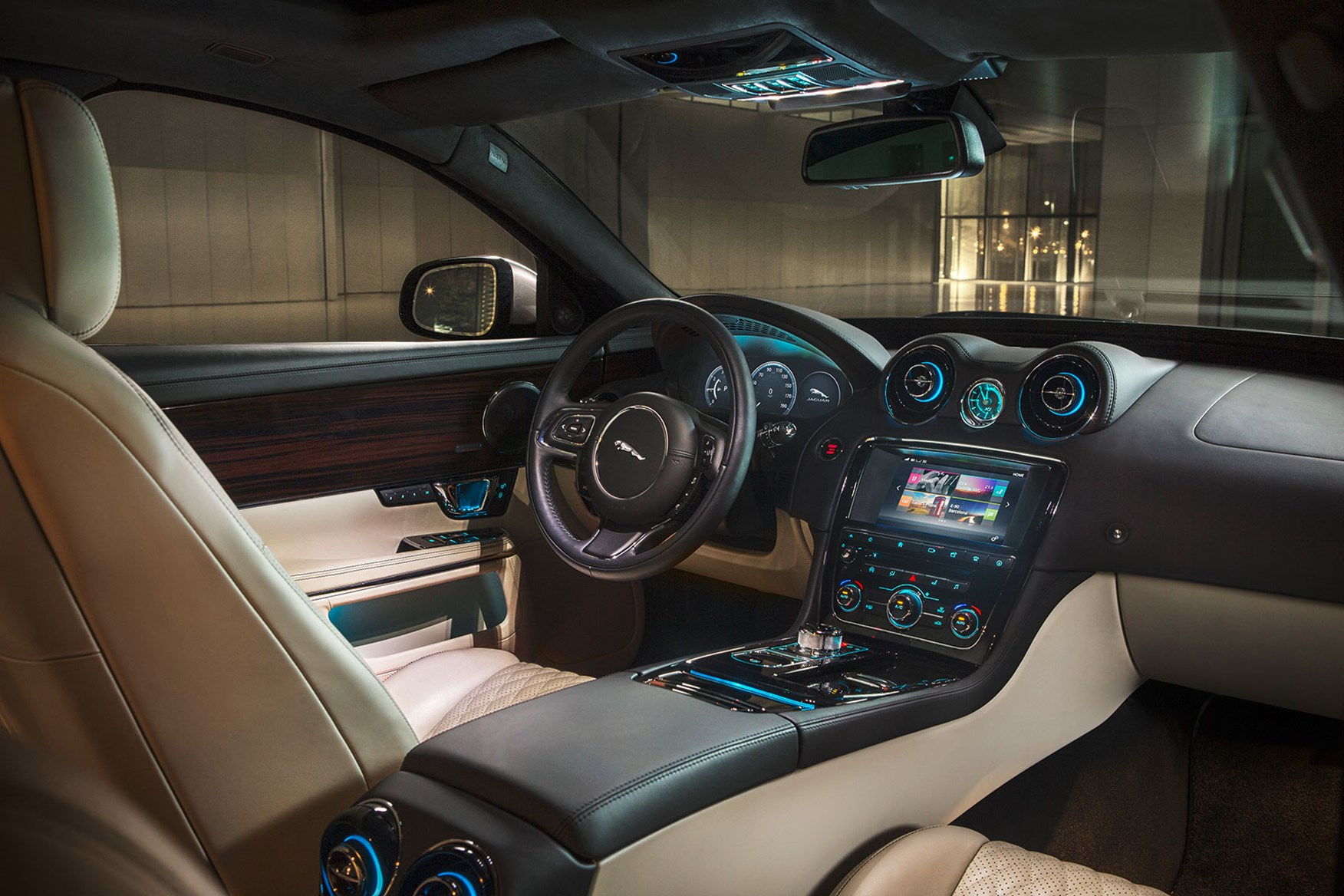 ... Inside New Jag XJu0027s Cabin: A Good Touchscreen At Last!
